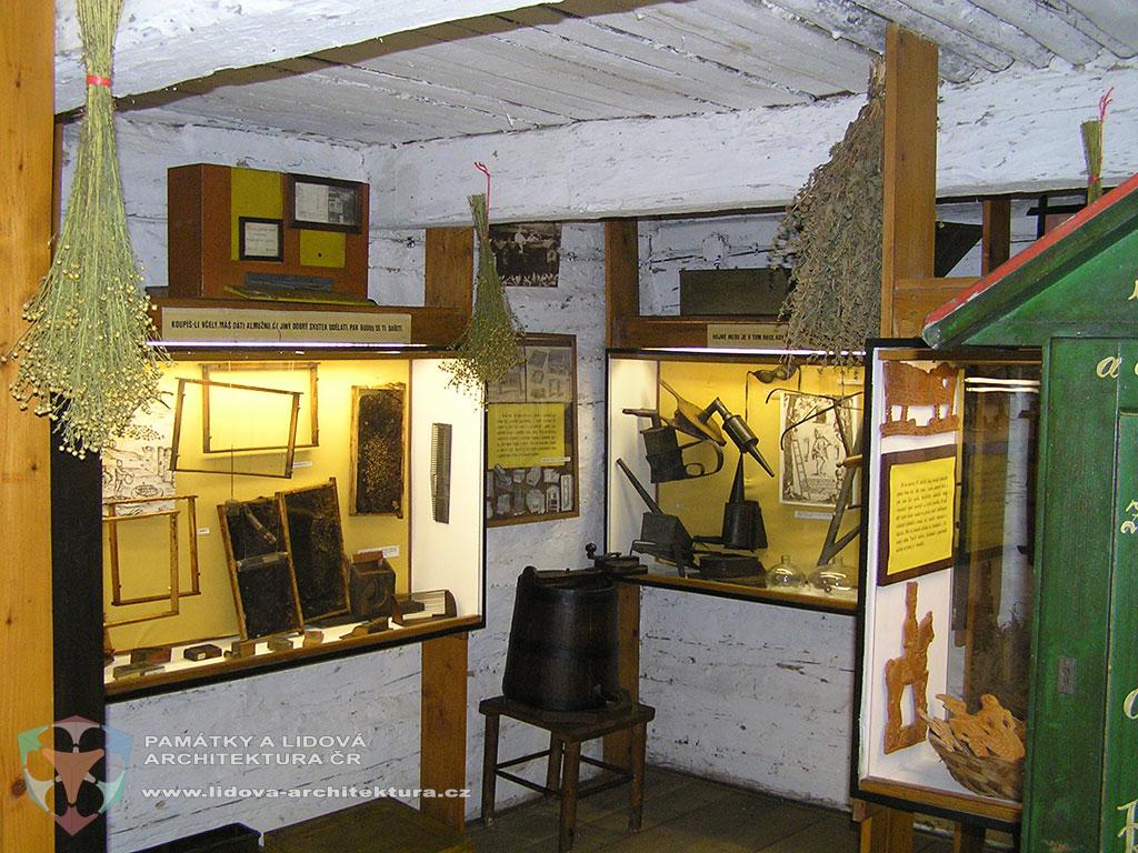 Expozice včelařství v muzeu Přerov nad Labem, okres Nymburk